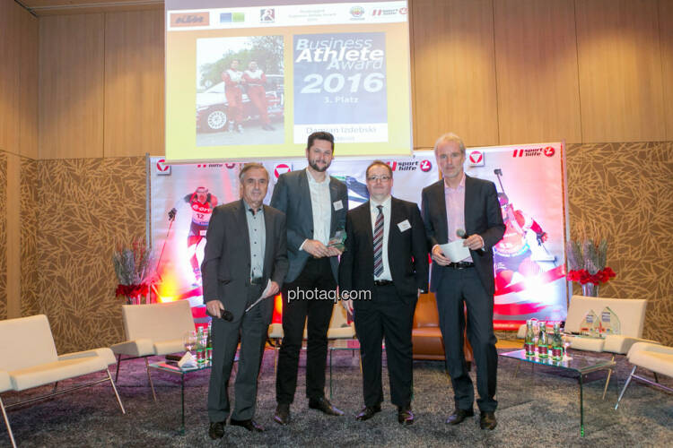 Hans Huber, Damian Izdebski (techbold technology group, 3. Platz Business Athlete Award 2016), Gregor Rosinger (Rosinger Group), Christian Drastil (BSN)