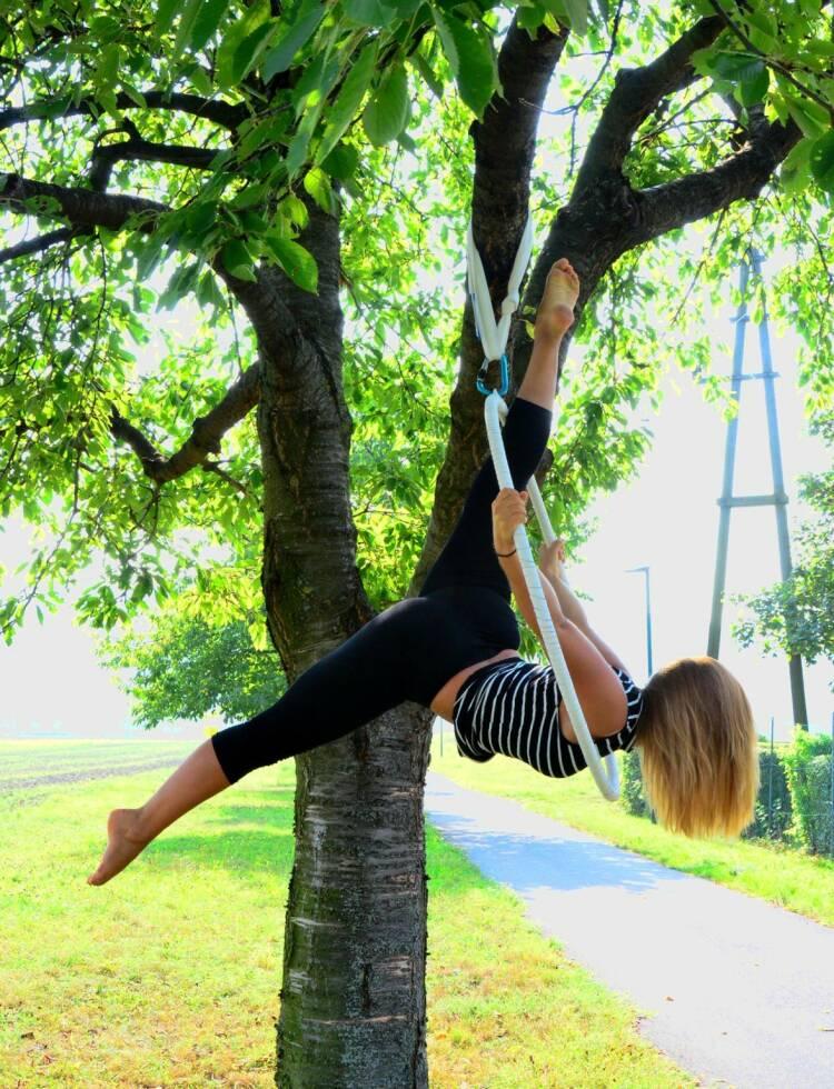 """Petra Lebersorger - Nominierung: mein Sportschnappschuss 2016 """"Outdoor-hooping"""" im Sommer - Voten und/oder auch sich selbst nominieren unter http://www.facebook.com/groups/Sportsblogged"""