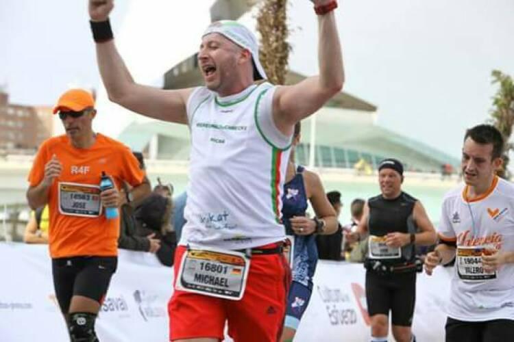 Michael Haase - Nominierung Mein Sportschnappschuss 2016: Marathon Zieleinlauf in Valencia -  Voten und/oder auch sich selbst nominieren unter http://www.facebook.com/groups/Sportsblogged