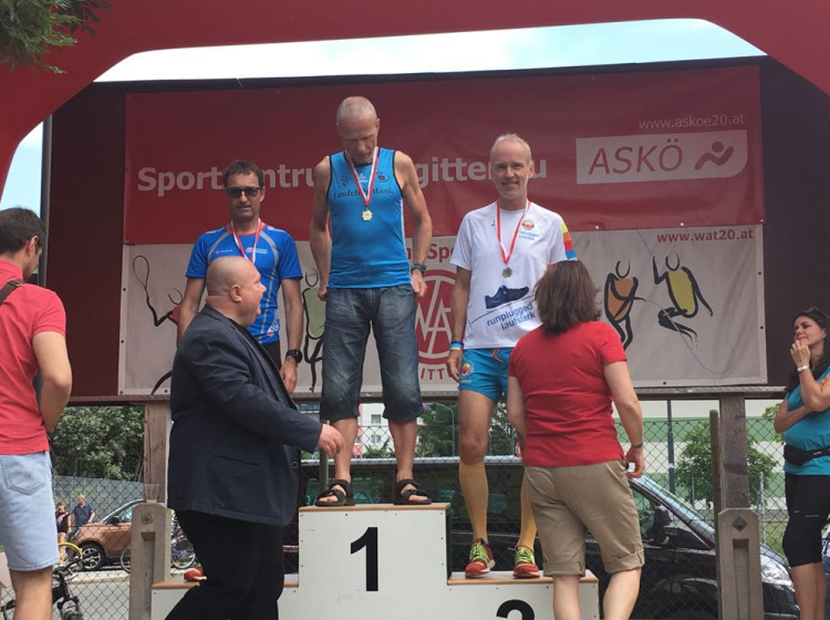 AK-Sieger Emil Jaidhauser mit Helmut Wohak und Christian Drastil