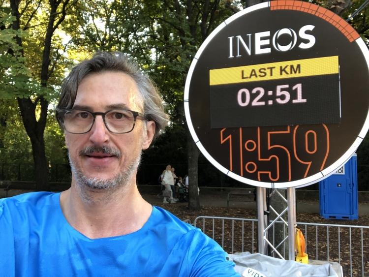 Eliuds Pace 2:51, Josef Chladek